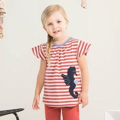 MERIHEVONEN T-paita, paprika - vanilja | NOSH verkkokauppa | Kevään lasten uutuusmallistossa leikitellään joutsenien, pesukarhujen ja raitojen iloisessa joukossa. Tilaa tuotteet NOSH edustajalta tai verkosta nosh.fi/lapset (This collection is available only in Finland but you can shop these wonderful fabrics online en.nosh.fi)