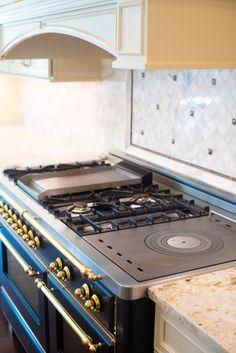 ILVE Majestic Range Review Paris Kitchen, Real Kitchen, Kitchen Stove, Home Decor Kitchen, Kitchen Backsplash, Home Kitchens, Kitchen Appliances, Kitchen Ideas, Island Kitchen