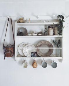 Simple shelving