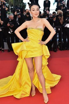 Floaty Summer Dresses, Gold Pleated Skirt, Haute Couture Gowns, Dior Dress, Column Dress, Cannes Film Festival, Festival Wear, Red Carpet Fashion, Ball Gowns