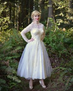 Vintage 1950s Wedding Dress in Lace Silk Satin and by DaintyRascal on Etsy