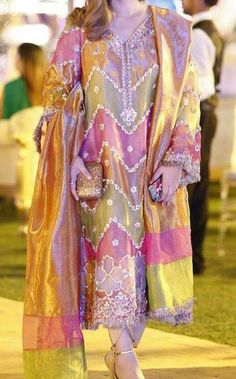 Wedinng outfit for groom mother Bridal Mehndi Dresses, Pakistani Wedding Outfits, Pakistani Dresses Casual, Wedding Dresses For Girls, Pakistani Dress Design, Party Wear Dresses, Bridal Outfits, Indian Dresses, Function Dresses