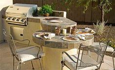 outdoor kitchen bar designs | Nem kell azoknak sem keseregnie, akik csak egy aprócska loggiával ...