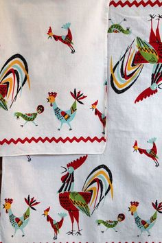 Vintage Rooster Kitchen Tea Dish Towels Set of 2 by thebusybeecook, SOLD Hd Vintage, Vintage Tea, Vintage Kitchen, Vintage Linen, Vintage Stuff, Vintage Tablecloths, Linen Tablecloth, Rooster Decor, Red Rooster