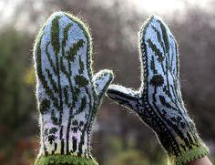 Ravelry: craftzone's Summer evening Knitted Mittens Pattern, Loom Knitting Patterns, Crochet Mittens, Crochet Gloves, Knitting Charts, Knitting Tutorials, Hat Patterns, Free Knitting, Stitch Patterns