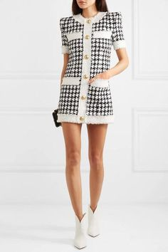 Black and white cotton-blend tweed Zip fastening along back cotton, polyamide Dry clean Made in France Teen Fashion Outfits, Classy Outfits, Look Fashion, Cool Outfits, Tweed Outfit, Tweed Dress, Style Casual, Looks Chic, Haute Couture Fashion