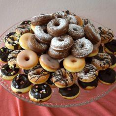 Domácí mini donuty » MlsnáVařečka.cz Doughnut, Sweet Recipes, Cheesecake, Food And Drink, Cupcakes, Baking, Drinks, Desserts, Australian Men