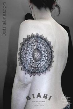 Chaim Machlev, (dots to lines) mandala like- geometric tattoo. Looks incredible in this location. Tatoo Art, Dot Work Tattoo, I Tattoo, Grey Tattoo, Line Tattoos, Body Art Tattoos, Cool Tattoos, Tatoos, Dots To Lines