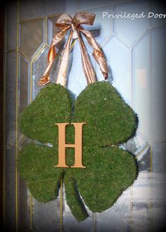 St Patricks Day Wreath  Monogrammed but use burlap ribbon for the bow!