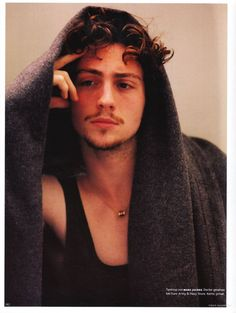Aaron Johnson | Aaron-Johnson-aaron-johnson-26581148-936-1244.jpg