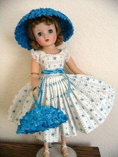 Elise in a sundress Old Dolls, Antique Dolls, Vintage Dolls, Child Doll, Girl Dolls, Baby Dolls, Plastic Girl, Vintage Madame Alexander Dolls, For Elise