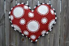 Heart Burlap Door Hanger for February! Burlap Door Hangings, Burlap Art, Painting Burlap, Burlap Crafts, Burlap Canvas, Burlap Curtains, Diy Crafts, Valentine Day Crafts, Valentine Decorations