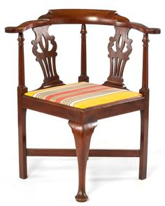 American Chippendale Corner Chair : Lot 303