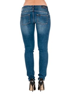 Liu Jo Jeans Bottom Up Slim Leg farkut, blue sapphire wash 129,00 € www.fashionstore.fi