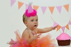 Babies Pics, 1 Year Olds, Cake Smash, Baby Pictures, Old Photos, Family Photographer, Facebook, Photography, Old Pictures