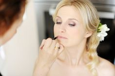 Bridal Makeup Tips - Your wedding photographer is there to catch your day's biggest moments, so follow these bridal makeup tips so you can look flawless in every picture.