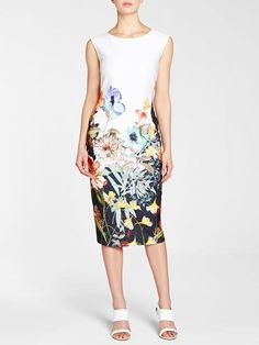 Laura. Round neck. Sleeveless. Floral print front