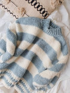Retro Outfits, Cute Casual Outfits, Stylish Outfits, Crochet Designs, Knitting Designs, Sweater Knitting Patterns, Crochet Clothes, Diy Clothes, Knit Fashion