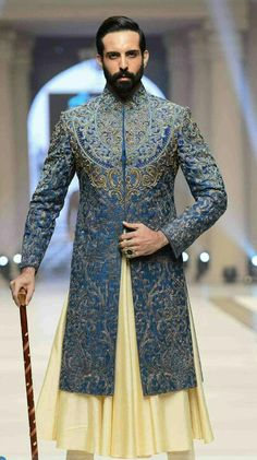 This handsome Wedding Sherwani evokes the power of elegance. Ritualize the occasion from India to Kyoto! Groom Outfit, Groom Dress, Men Dress, Sherwani Groom, Wedding Sherwani, Punjabi Wedding, Indian Groom Wear, Indian Wear, Indian Wedding Outfits