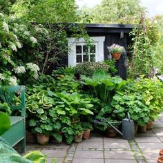 95 Beautiful Front Garden Cottage Garden Landscaping Ideas - All For Garden Small Cottage Garden Ideas, Cottage Garden Design, Backyard Cottage, Small Garden Planting Ideas, Garden Ideas For Small Spaces, Urban Garden Design, Vegetable Gardening, Small Gardens, Outdoor Gardens