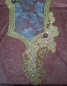 طرز Picture Letters, Pink Christmas, Motifs, Design Elements, Patches, Textiles, Embroidery, Sewing, Dresses