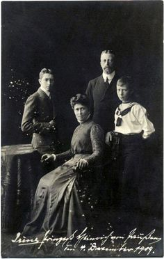 Prince and Princess Heinrich of Prussia with their two surviving sons, Prince Waldemar and Prince Sigismund of Prussia. Queen Victoria Family, Princess Victoria, Princess Alice, Prince And Princess, German Royal Family, Wilhelm Ii, Royal Blood, Young Prince, Three Daughters