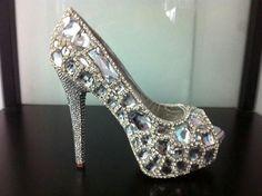 I want soooooo bad!!!! Love these silver, jewels high heel shoes <3 <3