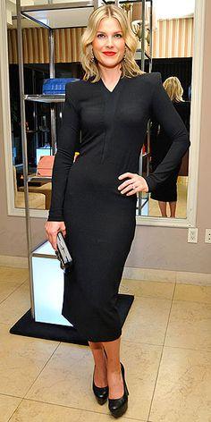 Ali Larter Hosts A Dinner Celebrating The Devi Kroell Spring Summer 2013 Collection. And looks fan-freaking-tastic doing it! Modest Black Dress, Nice Dresses, Dresses For Work, Blonde Actresses, Ali Larter, Celebrity Outfits, Celebrity Makeup, Work Wardrobe, Work Attire