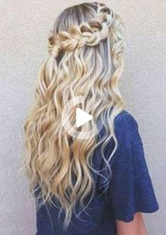 Gorgeous hairstyles for long hair! Hair tutorials and hairstyle ideas for girls with long hair. Pretty udpos, braids and haircuts for long hair. Homecoming Hairstyles, Wedding Hairstyles, Evening Hairstyles, Pretty Hairstyles, Hairstyle Ideas, Easy Hairstyles, Cute Hairstyles For Prom, Hairstyles Pictures, Hairstyles 2018