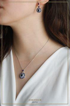 """Eleganter, zeitloser Schmuck bleibt Ihnen ein Leben lang. Unsere """"Eclipse"""" Edition verkörpert den dunkelblauen Nachthimmel, durch welchen Brillanten funkeln. Collier und Ohrringe können sowohl im Set, als auch alleine getragen werden. Diamond, Jewelry, Fashion, Sapphire, Necklaces, Night Skies, Ear Piercings, Life, Moda"""