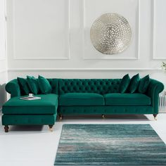 Fiona Green Velvet Left Facing Chesterfield Chaise Sofa This beautifully elegant and sophisticated green velvet chaise sofa features a striking design that is sure to leave a lasting impression in any home. This sofa also comes in blue and grey. Corner Sofa Living Room, Living Room Sofa Design, Living Room Green, Home Living Room, Living Room Designs, Living Room Decor, Corner Sofa Modern, Corner Sofa Design, Living Area