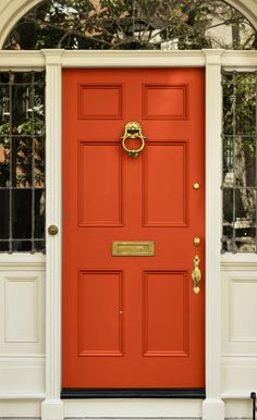 10 Best Front Door Colours for your House. I LOVE orange front doors. Best Front Door Colors, Orange Front Doors, Best Front Doors, Unique Front Doors, Front Door Paint Colors, Front Entry, Home Interior, Interior And Exterior, Exterior Design
