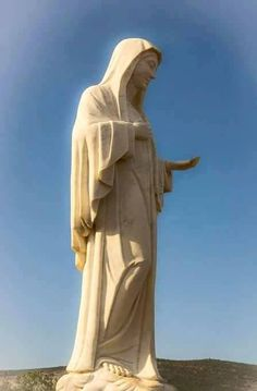 Il coraggio di guardare il cielo: Medjugorje - Messaggio del 25 maggio 2016 I Love You Mother, Mother Mary, Madonna, Holy Mary, Art Thou, Blessed Mother, Love Signs, Photo Black, Spiritual Inspiration