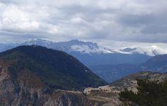 Castillo Mayor (2014 metros), los Sestrales, el Plan de Sebillún (1440 metros) y la Peña de Sin (1643 metros)
