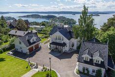 Bekkelaget/Nordstrand - Stor herskapelig prakteiendom med fantastisk utsikt over Oslofjorden. Høy standard! | FINN.no