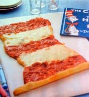 dr seuss party ideas--Cat in the Hat pizza! omg this is going to be lunch on my dr suess week for the daycare! Dr. Seuss, Cute Food, Good Food, Dr Seuss Party Ideas, Cat In The Hat Party, Dr Seuss Birthday, 2nd Birthday, Happy Birthday, Birthday Parties