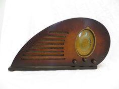 "VINTAGE 1937 CLIMAX "" RUBY "" TEARDROP SHAPED ICONIC ART DECO OLD  WOOD RADIO"