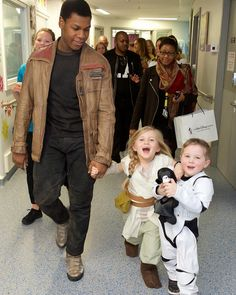 John-as-Finn making an in-character hospital visit- when the little girl asked him where Rey was, he told her Kylo beating him in the lightsaber fight left his memory a little dodgy and he wasn't sure- love this!