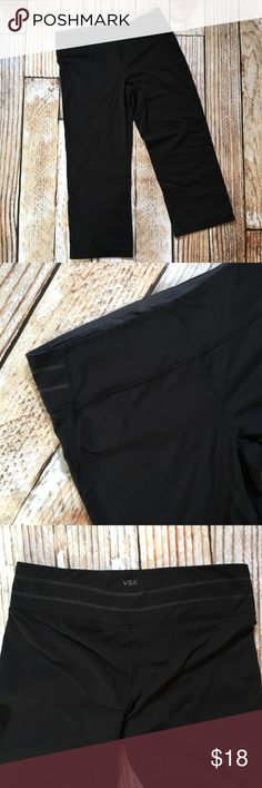 "VSX yoga legging workout capri pants VSX Victoria's Secret yoga legging workout capri pants  🌵Bundle deals available. I carry various sizes/brands. 🌵No trades, holds, or modeling. 🌵All reasonable offers accepted only through ""offer"" button. No lowball offers please. Please submit final offer willing to pay as I prefer to not counteroffer. 🌵Happy Poshing! Victoria's Secret Pants Leggings"