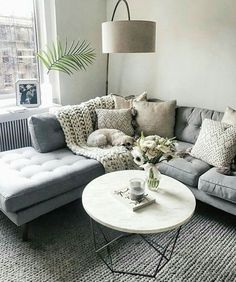 90+ Totally Outstanding Sectional Sofa Decoration Ideas With Lamps http://www.aladdinslamp.net/90-totally-outstanding-sectional-sofa-decoration-ideas-with-lamps/