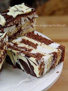 Ciasto Łaciate | MOJE CIACHO Delicious Desserts, Dessert Recipes, Yummy Food, Chocolate Caramel Cake, Gateaux Cake, Sweets Cake, Polish Recipes, Dessert Bread, Homemade Cakes