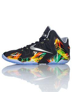 NikeLebron xi    black  .
