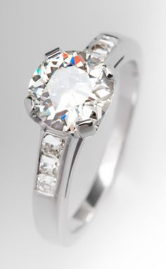 Antique engagement ring featuring an Old European cut diamond