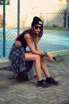 Cool Looking Grunge style Outfits for Girls (17)