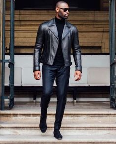 Mens Fall Fashion Trends of 2018 on How To Wear Fall Leather Jackets 10 -- Click image to see more. Leather Jacket Outfits, Men's Leather Jacket, Leather Men, Leather Jackets, Custom Leather, Black Leather, Leather Boots, Fashion Mode, Mens Fashion