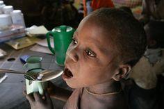 दक्षिण अफ्रीका के एक प्राथमिक विद्यालय के सैकडों बच्चे विषाक्त खाना खाने से बीमार