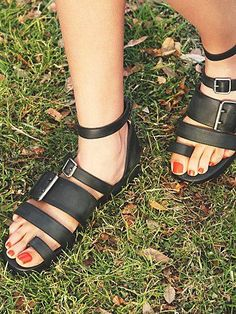 Free People Frankie Sandal.. these make me want to cry. i'm in a consumerist mood. in a grumpy and want to spend my life online shopping mood.