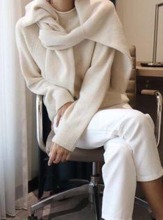 minimalist outfit ideas for autumn # ideas . - - minimalist outfit ideas for fall # ideas cute outfits cute outfits for women cute outfits ideas Look Fashion, Fashion Outfits, Fashion Trends, Classic Fashion, Fashion Lookbook, Trendy Fashion, Womens Fashion, Fall Fashion, Fall Outfits