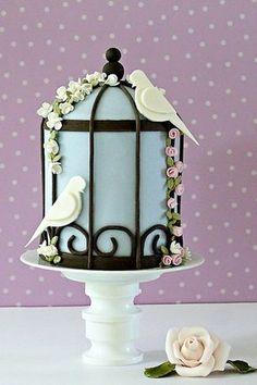 I love this little bird cage cake...so cute! ᘡηᘠ Special Wedding Cakes ♥ Wedding Cake Design