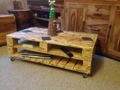 Industrial style reclaimed pallet coffee table Rustic ,Vintage , Antique